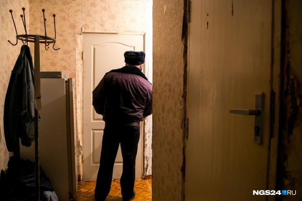 Дома у мужчины нашли инструкцию по изготовлению «коктейлей Молотова»