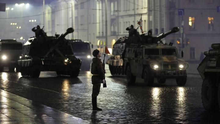Из-за репетиции парада Победы вечером перекроют пол-Екатеринбурга