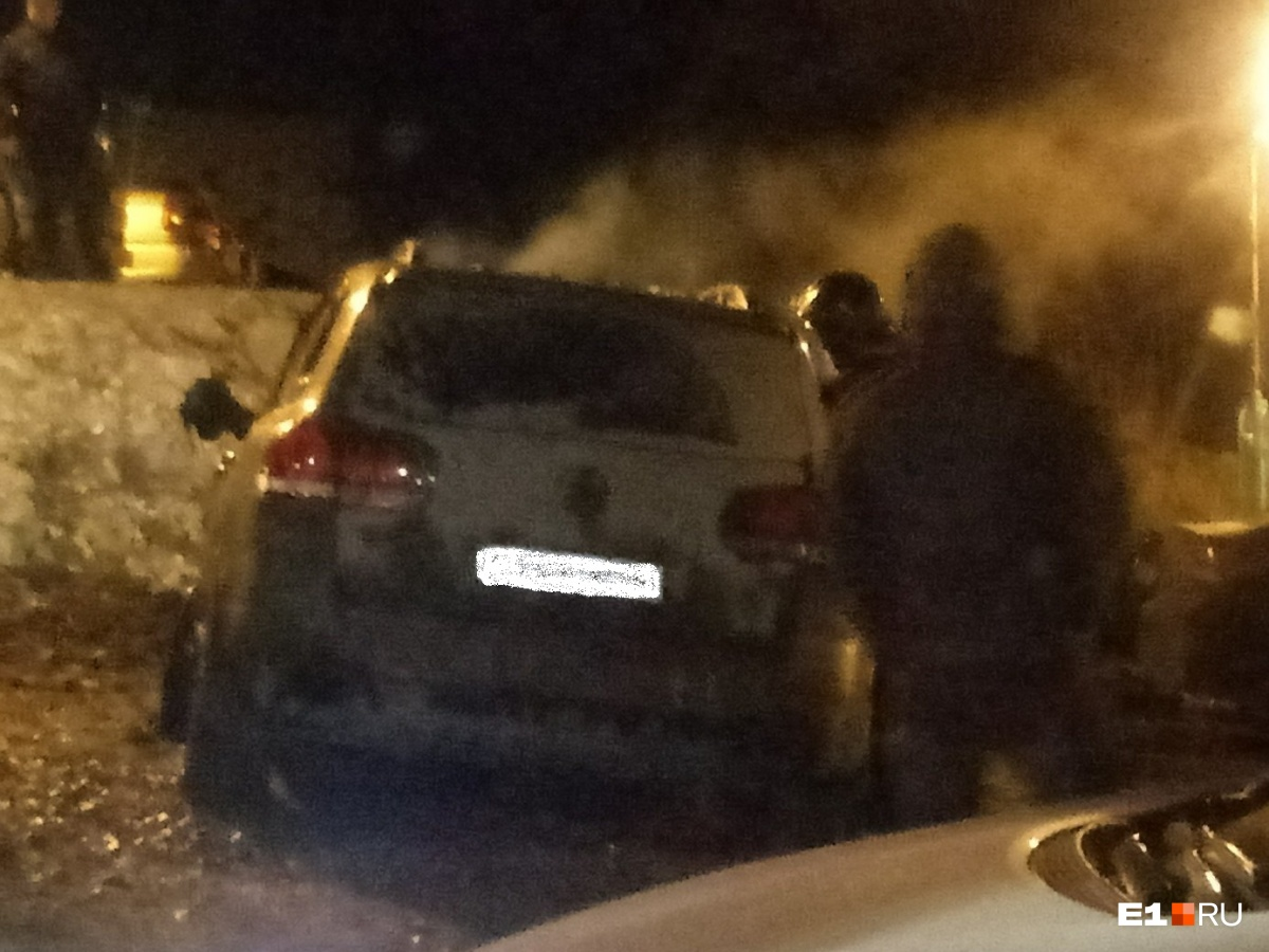 НаУктусе ночью загорелись VW, Опель и Тойота
