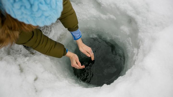 В воде из скважин в Красноярске нашли железо, марганец и бактерии из септика