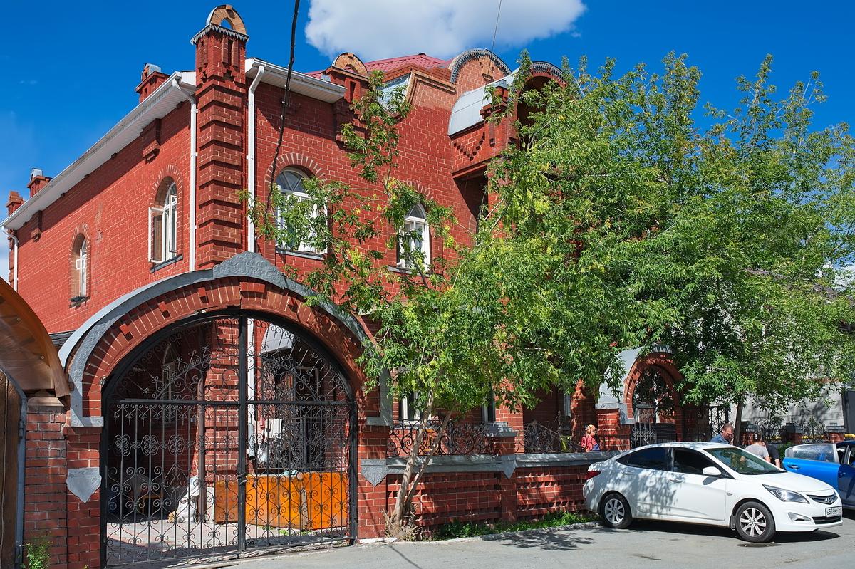 Этот дом цыганского барона арендуют у цыган