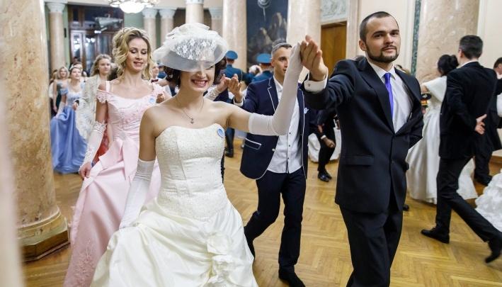 «Пока в закрытом режиме»: волгоградцы станцуют вальс и полонез в музее «Россия — моя история»