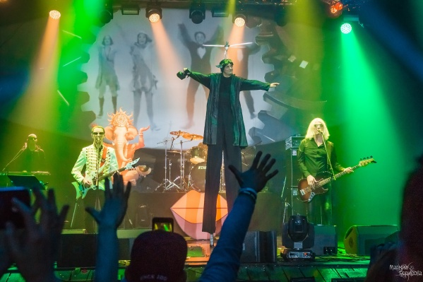 Группа «Пикник» устраивает невероятные шоу на своих концертах