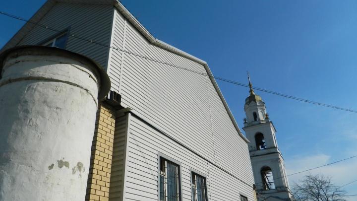 Это надо демонтировать: градозащитники поддержали Илью Варламова, который обозвал ярославский храм
