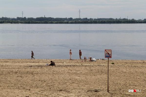 Спокойно купаться, не думая о возможных проблемах со здоровьем, можно только в районах области