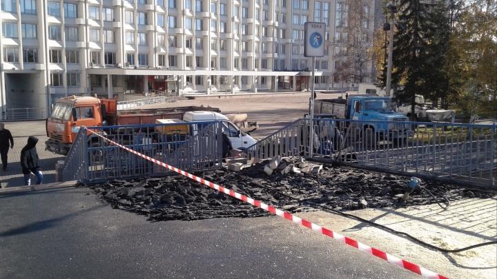 На Театральной площади начался ремонт виадука