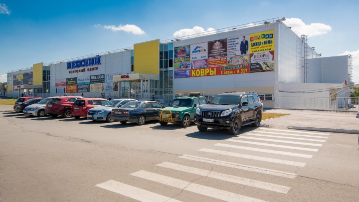 Продавцы рассказали, чем живет бывший муниципальный рынок после переезда в торговый центр