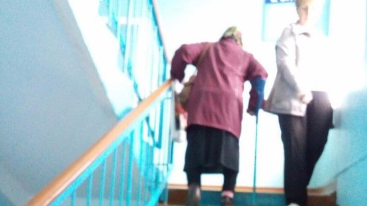 В Башкирии пациенты поликлиники страдают из-за неисправного лифта