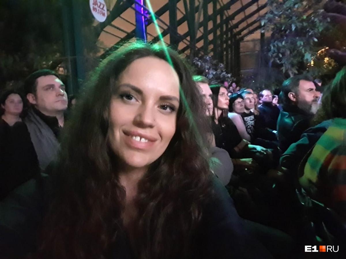 Танцевала на колючей проволоке и шла босиком по снегу: Линда показала клип, снятый в Екатеринбурге
