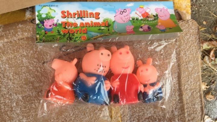 Жительница Козульки заплатила 40 тысяч за продажу игрушек «Свинка Пеппа» без разрешения