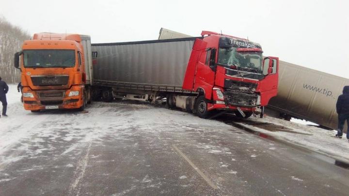 Вниманию автолюбителей: участок федеральной трассы М-7 временно перекрыли из-за ДТП