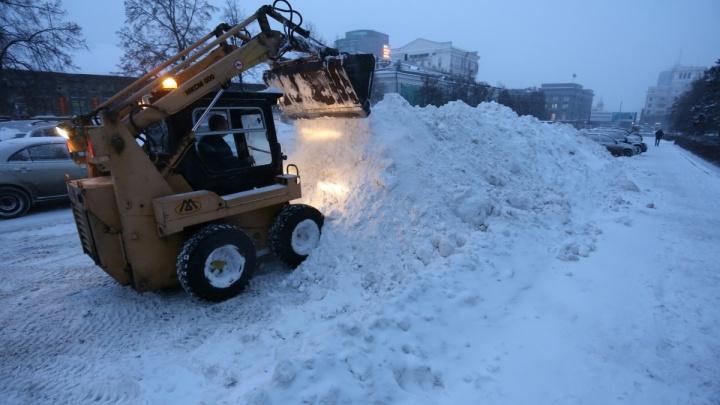 «Днём циклон отойдёт»: за ночь в Челябинске выпала треть месячной нормы снега