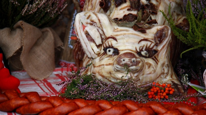 Тюль, сметана и колбаса: на привокзальной площади заработала белорусская ярмарка