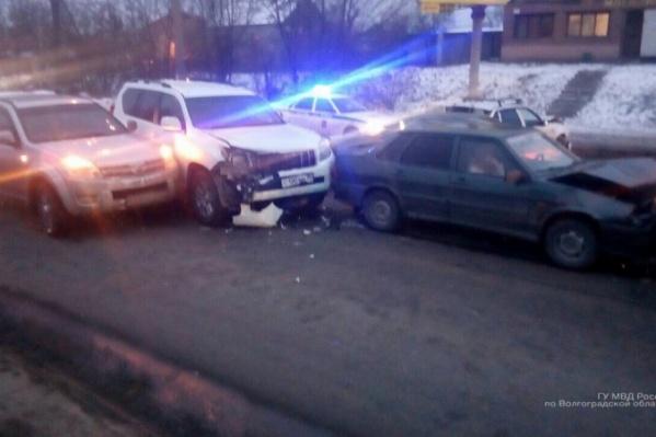 Мирослава Мизякина врезалась в четыре автомобиля