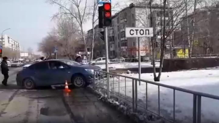На Ткацком проезде восьмилетнего школьника сбила машина