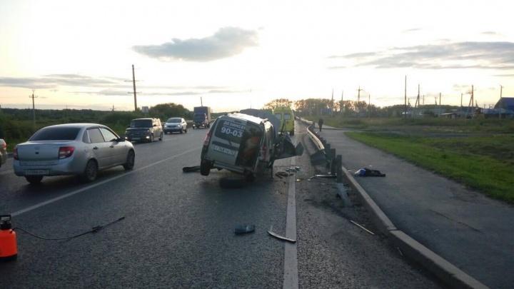 Пьяный водитель и его пассажир сбежали с места аварии: подробности ДТП на Салаирском тракте