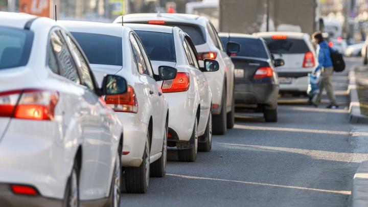 Ремонт трамвайных путей в Ворошиловском районе собрал километровые пробки