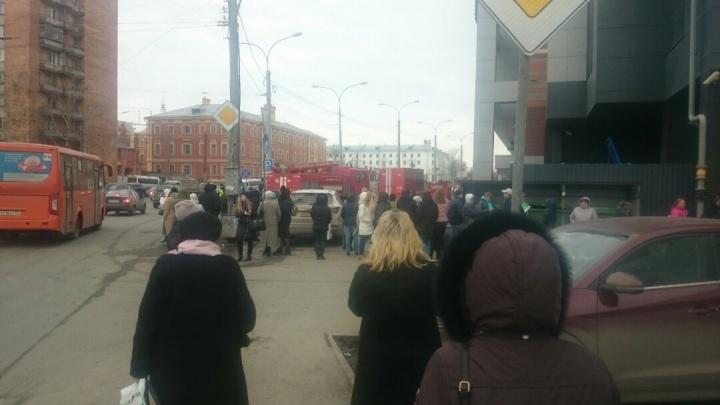 В Нижнем Новгороде эвакуируют ТРЦ «Небо»