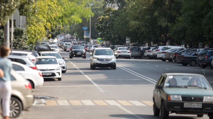 В Ростове на месяц продлили ограничение движения по улице Мечникова