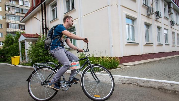 Врач на колёсах: педиатр из Челябинска пересел на велосипед
