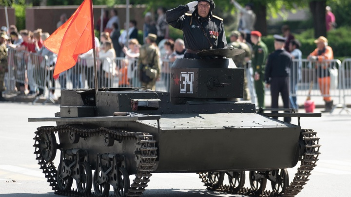 «К концу войны его уже не было в живых»: волгоградцы по фотографиям собрали водоплавающий танк