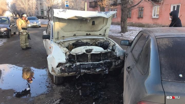В Самарской области по вине дамы-водителя столкнулись три авто
