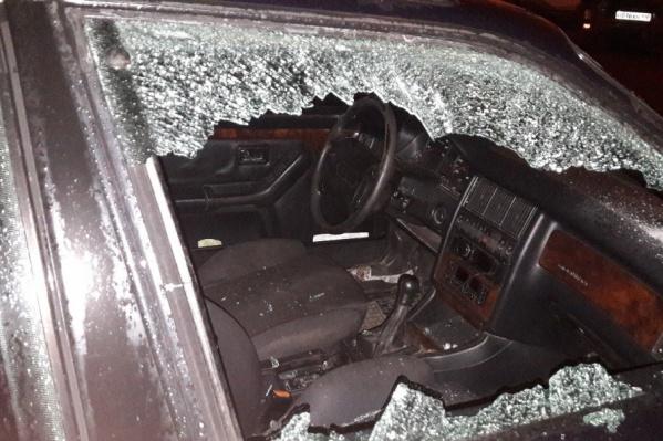 Хулиганы ничего не похитили из машины