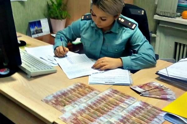 У мужчины изъяли 90 штук банкнотдостоинством 5 тысяч рублей