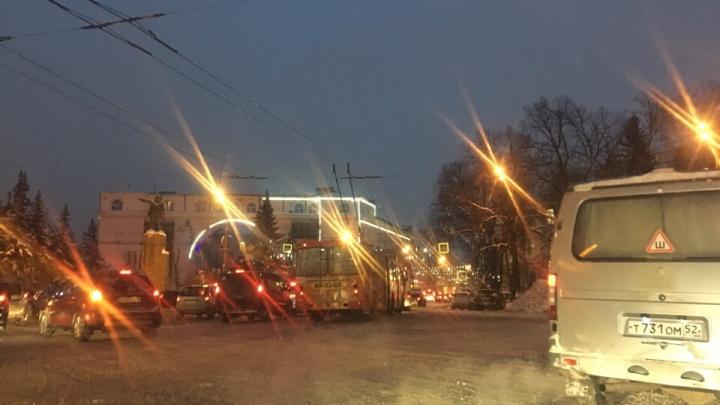Ситуация усугубляется: пробки на дорогах Ярославля выросли до десятибалльной отметки
