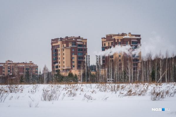Несмотря на то, что в ЖК«Кедровый» уже есть 9-этажные дома, жители настаивают, что этажность новых домов рядом нужно ограничить
