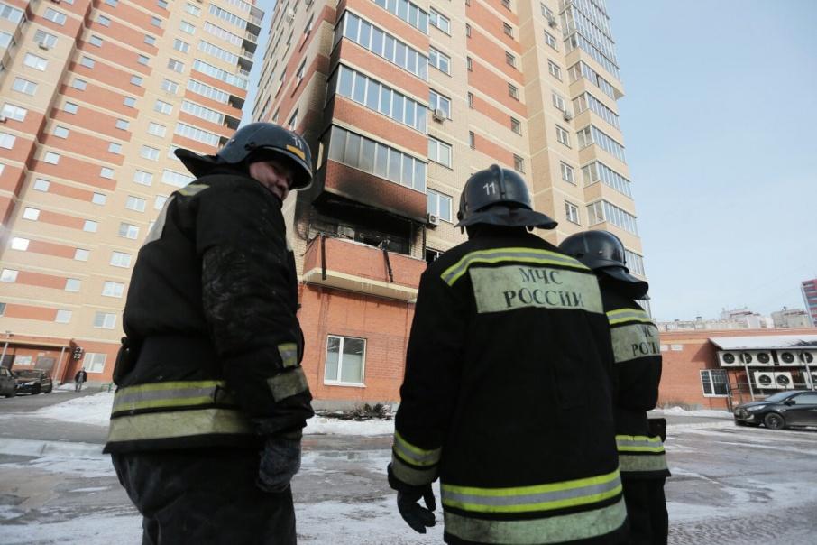На месте работали пять пожарных автомобилей