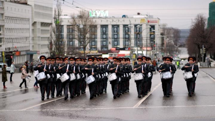 Хор поколений и военная техника: центр Перми перекроют для репетиций парада