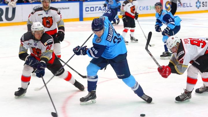 Хоккей: «Сибирские снайперы» одолели «Кузнецких медведей»