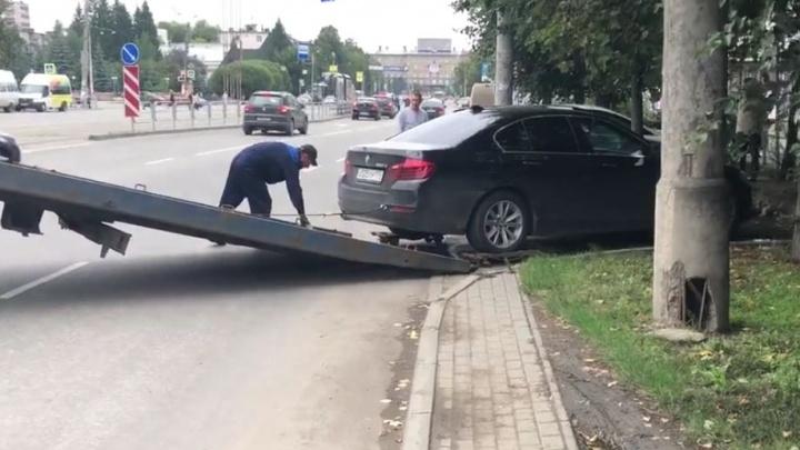 ЗаблокировалиBMW и KIA: кто и зачем глушит в Челябинске автосигнализации