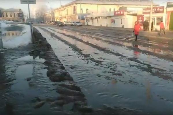 Вода была и на улице Уральской, и на улице 1905 года