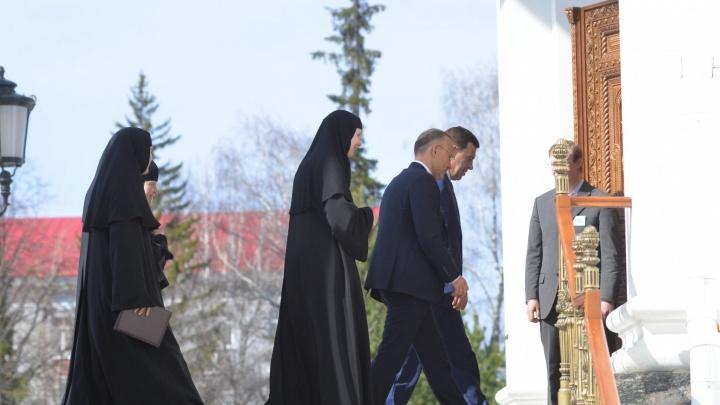 В монастырь, где снесли Успенскую церковь, приехали Евгений Куйвашев и Игорь Алтушкин