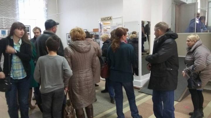 На выставку Третьяковской галереи собрались толпы новосибирцев. Пустили не всех
