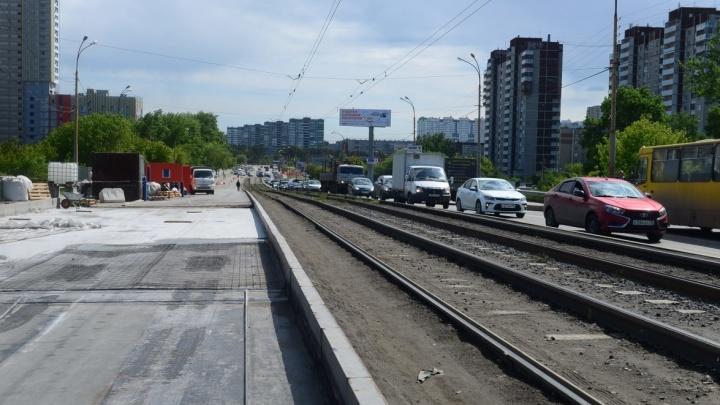 Часть Малышевского моста, ведущую на ЖБИ, перекроют до сентября