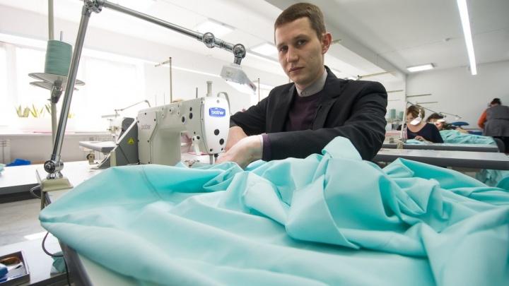 Цель - покорить мир: дизайнер, шьющий костюмы для миллионеров, открыл на ЖБИ фабрику спортодежды
