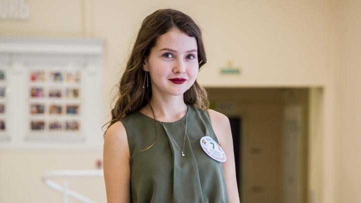 «Пациенты меня любят»: 20-летняя красавица стала лучшей медсестрой Новосибирска