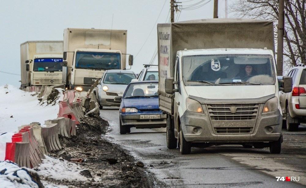 Ещё один «мост позора» на въезде в Челябинск со стороны Троицка: строительство нового дублёра идёт уже много лет