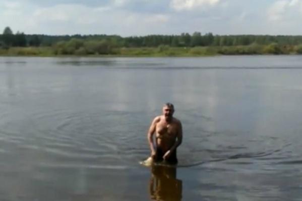Анатолий Каширин купался на даче