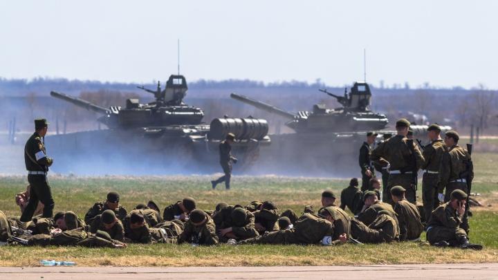 Путин поручил привести войска ЦВО в полную боевую готовность