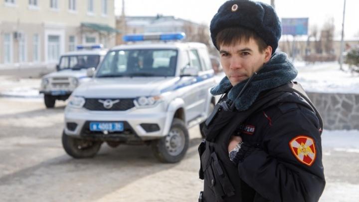 Челябинские учреждения получили десятки сообщений о минировании, но эвакуироваться не стали