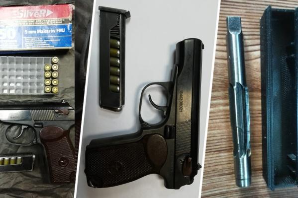 Подозреваемых задержали при попытке продать оружие