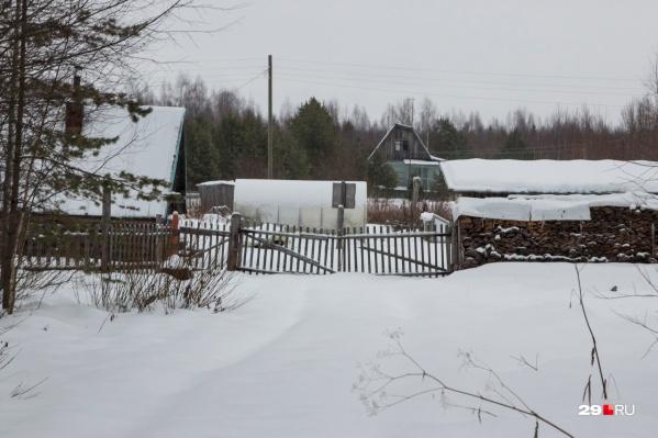 Вот так выглядит деревня Орлово, где во время нашего приезда не оказалось ни одного жителя