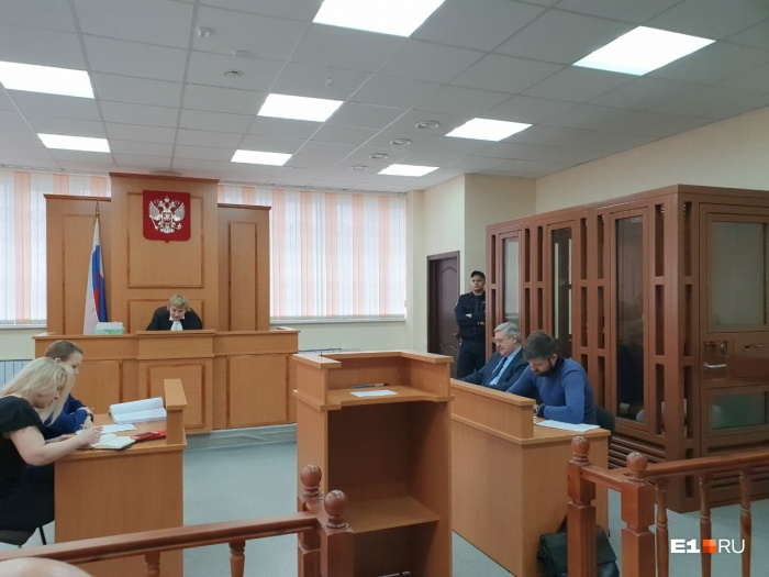 В Екатеринбурге начали судить мужчин, убивших бывшего спасателя