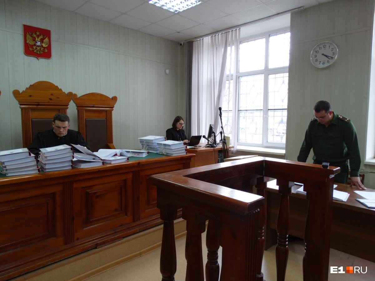 Прокурор потребовал посадить Амержанова на 4 года в колонию