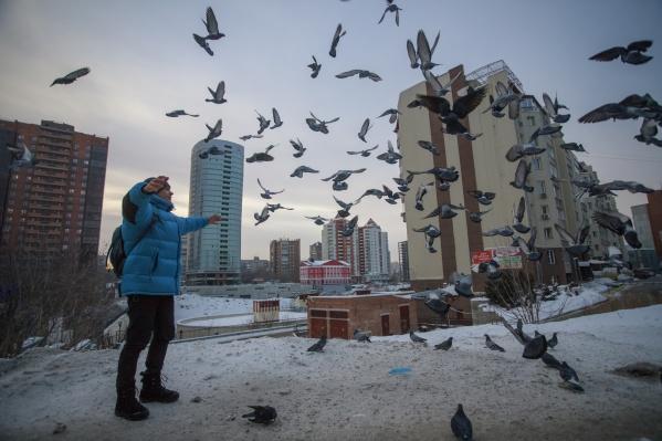 Фоторепортажи о Сибири и Северной Дакоте опубликованы 23 февраля 2018 года на американском сайтеterrain.org. На фото Валерия Кламма — новосибирский краевед Евгений Антропов