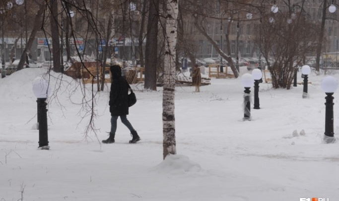 «Это вам не дерево посадить»: мэрия назвала виновных в срыве сроков реконструкции сквера за Оперным